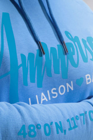 Ammersoul_Hoodie_Damen_Ammersee_Himmelblau_Montage_Detail72dpi